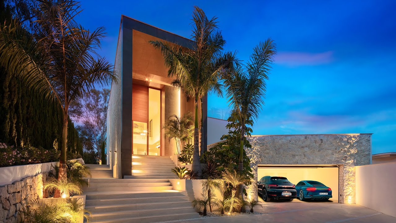 Brand-New Modern Sophisticated High-End Villa, El Herrojo, La Quinta, Benahavis