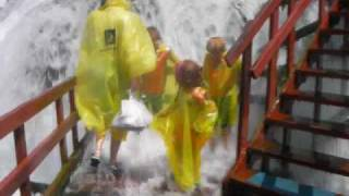 preview picture of video 'NIAGARA FALLS - Maid Of Mist, Cave of the Winds, & Journey Behind the Falls'