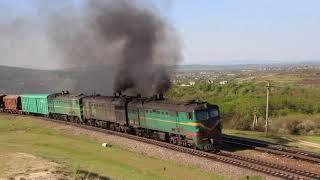 2ТЭ10Л-792А/1250А, 3ТЭ10М-1103А(ЧФМ, CFM) с грузовым поездом