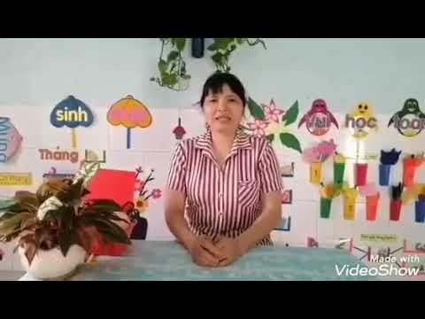 """Huỳnh Ngọc Cẩm Nga: hướng dẫn trẻ làm """"bàn chân vui nhộn"""""""