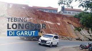 Detik-detik Tanah Setinggi 14 Meter Longsor di Garut