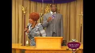 """Dorinda Clark-Cole """"Bless This House"""" at New Life Cathedral"""
