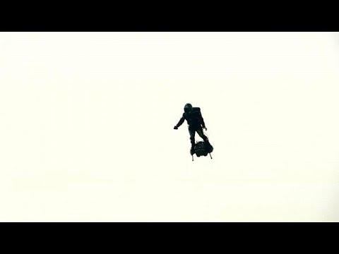 العرب اليوم - شاهد: الرجل الطائر يفشل في الوصول إلى