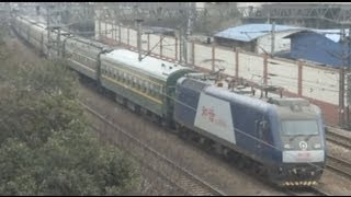 preview picture of video '[China Railway]L216/L8456/L666 Jinghu Line Extra Trains 2010年春運京滬線臨時列車'