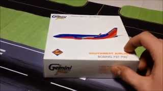 GeminiJets Southwest Airlines Boeing 737-700 Unboxing Review GJSWA1357