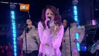 Miley Cyrus - Start All Over + GNO [Girl Night Out] - Times Square 2007