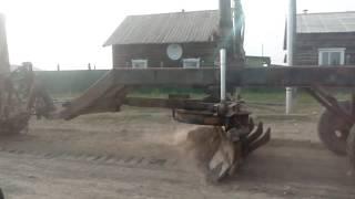 Самодельный грейдер на ДТ- 75