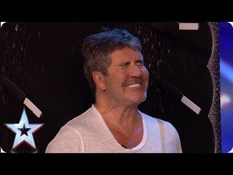 DANGER! Gomonov Knife Show throw 8 KNIVES at Simon Cowell   Auditions   BGT 2019 (видео)
