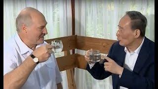 Президент Беларуси встретился с заместителем председателя КНР в неформальной обстановке