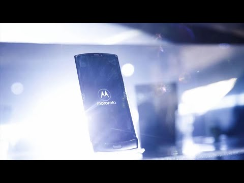 Motorola Brings Back the Iconic Razr Flip Phone