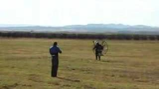 preview picture of video 'Primer vuelo en paramotor de Mikel'