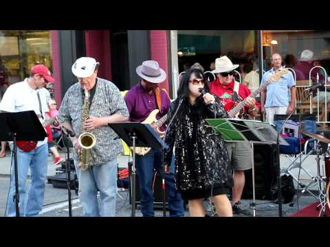 Squier Red and the Blues Band goes down to the crossroads