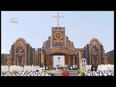 Messe et Angélus du Pape au parc Nu Guazu à Asuncion