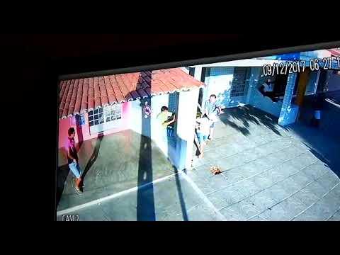 Dono de lotérica reage a assalto com vassouradas em Acari