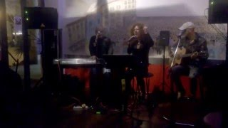 Tizzy Trio Acustico video preview