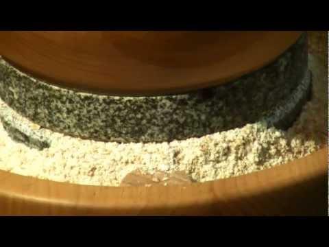 Macina cereali manuale casalingo. Mulino Mh4 e Mh2 per fare la farina in casa.