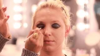 How To Do Cabaret Makeup : Makeup Techniques