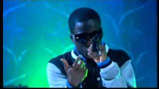 Tinchy Stryder ft. Ayak Thiik / In My System / Alan Carr Chatty Man / 8th Aug. 2010