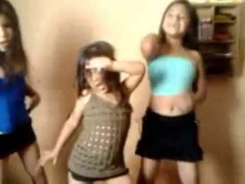 CORAZON SERRANO (vete) 3 niñas hermosas bailando y cantando..
