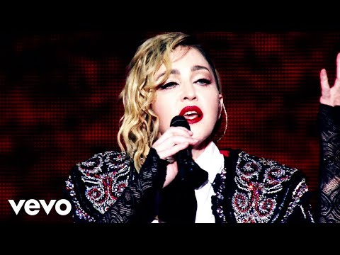 Madonna - Living For Love (Rebel Heart Tour / Sydney, 2016)