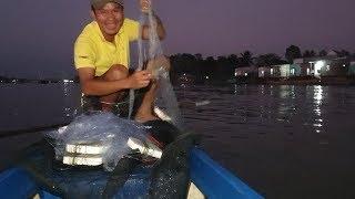 Thả lưới chiều trúng ngay ổ cá dính đùm đùm gỡ đả luôn | Săn bắt SÓC TRĂNG |