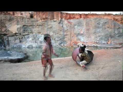 <center>Die Steinbruchkinder von Madagaskar</center>