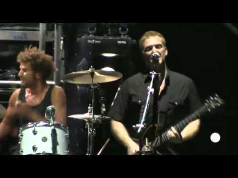 Queens of The Stone Age- First it giveth (Live-Argentina 2013)