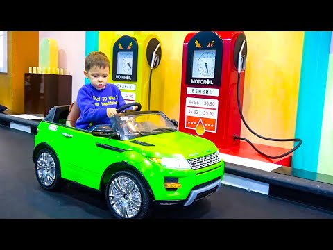 Funny Tema Ride on Power Wheels cars and Pretend Play with toys on the Park