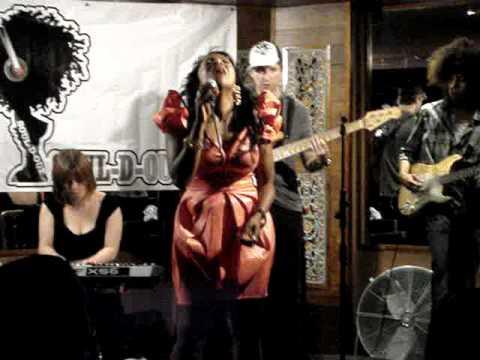 Soul-D-Out (UK) Live! @ Cotton's Islington 3rd Sept - Kele le Roc (Love was the drug)