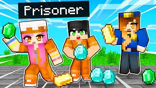 Escaping from PRISON in Minecraft Death Run!