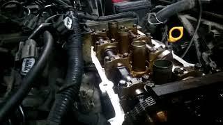 Как поменять маслосъёмные колпачки не снимая головку блока цилиндров на Ниссан