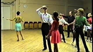 Смотреть онлайн Второй урок по танцу Ча-Ча-Ча для начинающих