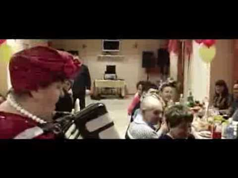 Ах, какой мужчина он!   Супер тамада Любовь Дмитриевна поёт песню под аккардеон  Настоящая артистка