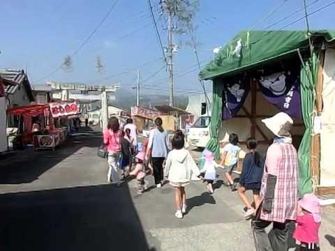 南有馬町の八幡神社お祭り露店見学 若木保育園児と学童保育わかキッズ