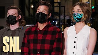 Jason Bateman and Morgan Wallen Want World Peace for Christmas - SNL