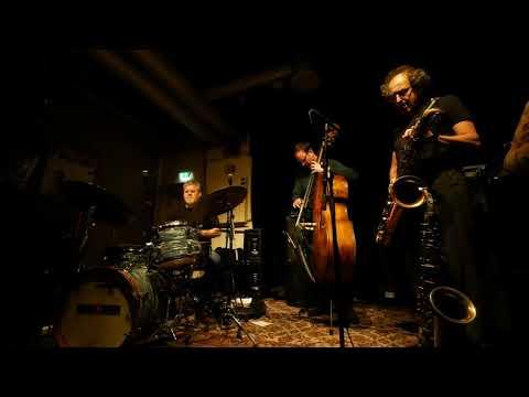 Trespass Trio @ Mir November 21st, 2017 online metal music video by TRESPASS TRIO (AKA  MARTIN KÜCHEN TRIO)