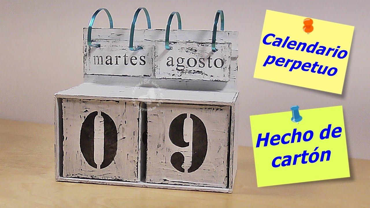 Calendario perpetuo de mesa hecho de cartón