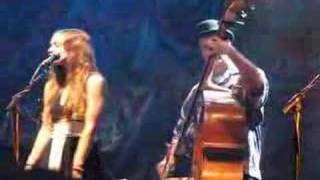 Fiona Apple Waltz (Better than Fine) with Nickel Creek