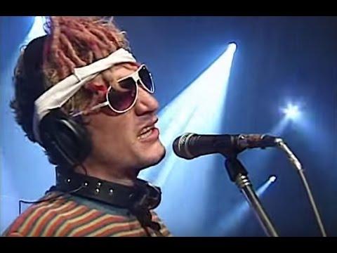 Intoxicados video Las cosas que no se tocan - CM Vivo 2006