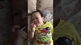 Первый чупачупс ребенка