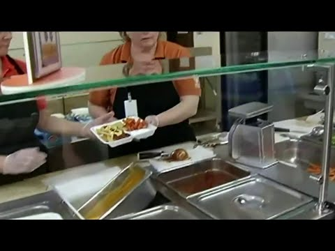 Michigan leaders discuss how to feed children who rely on school lunches