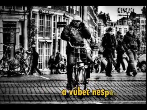 44 v klidu - 44 v klidu – Řekni proč (2015) lyric video