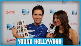 Питер Фачинелли (Карлайл Каллен), Peter Facinelli Hugs It Out at the Celebrity Beach Bowl!