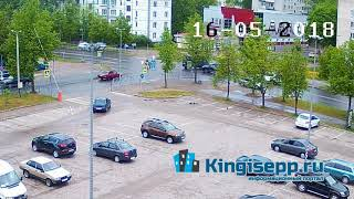 Типичный маневр у пожарки в Кингисеппе = ДТП. В сети появилось видео аварии с камеры KINGISEPP.RU