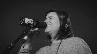 Nana Mendoza   Regresar | BLARING Live Session