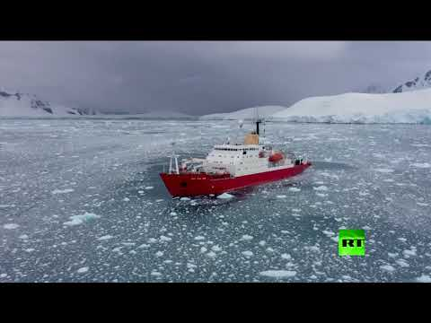 العرب اليوم - شاهد: لحظة انفصال جبل جليدي هائل في أنتاركتيكا