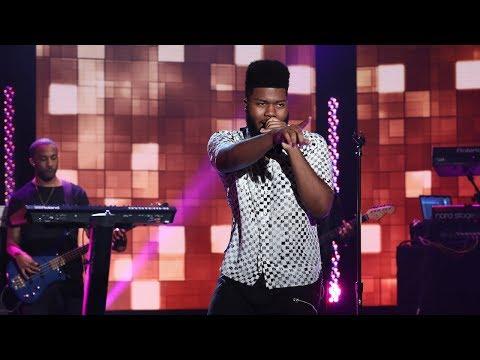 Khalid Performs 'Young, Dumb, and Broke'