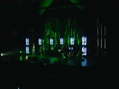 KEANE - A Bad Dream Live (Winner Of Band Of The Year 2007 Performance)