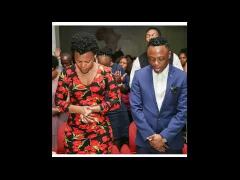 Zodwa Wabantu goes to Church Pantyless shows her pussy to pastor and church members