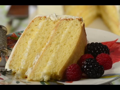 Video Simple Vanilla Cake Recipe Demonstration - Joyofbaking.com